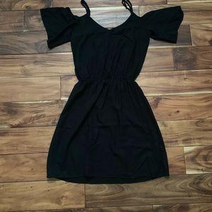 """Splendid """"cold shoulder"""" black dress"""